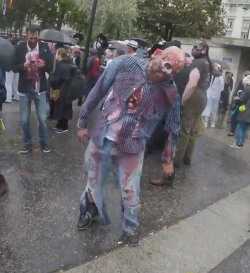 зомби прошлись по улицам