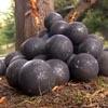 металлические шары на улице