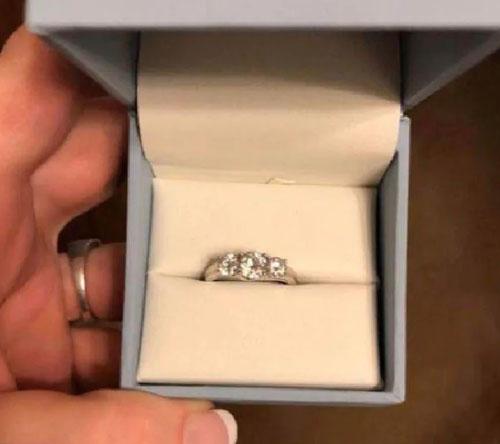 женщине не понравилось кольцо