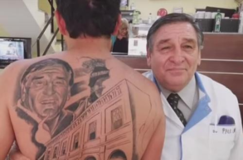 татуировка с портретом врача