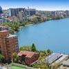 синяя и красивая река
