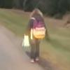 задира ходит в школу пешком