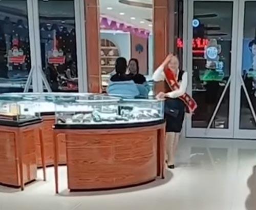 розыгрыши в ювелирных магазинах