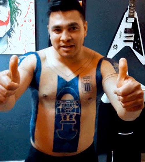 татуировка в виде футболки