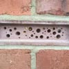 кирпич для пчёл в стене