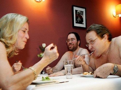 закрытие ресторана для нудистов