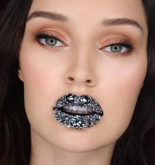 самые бриллиантовые губы в мире