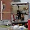 посылки вышвыривали из грузовика