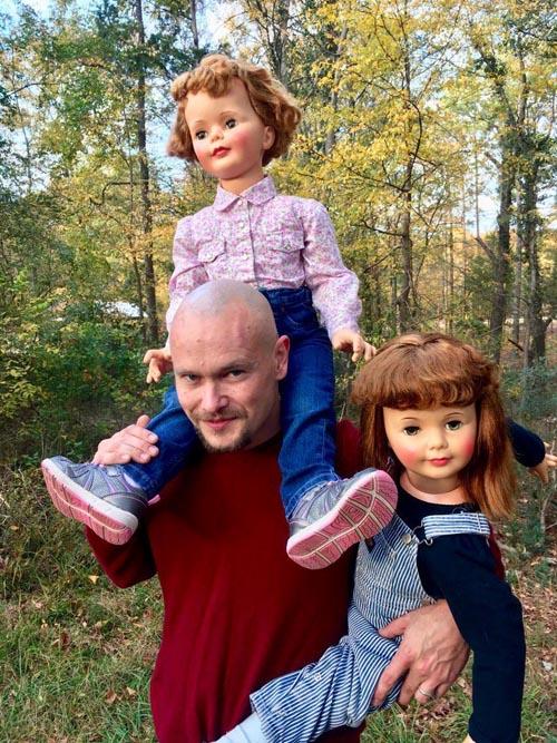 супруги обожают кукол