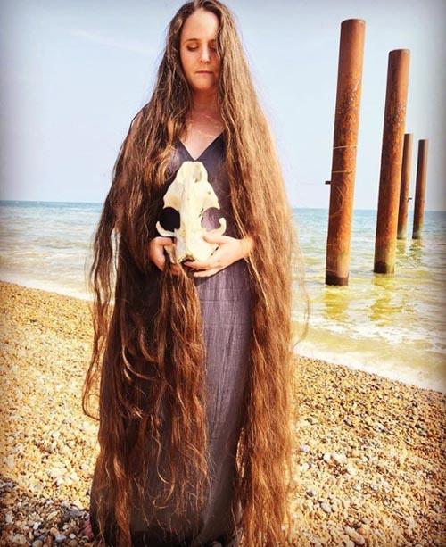 женщина 20 лет не мыла волосы