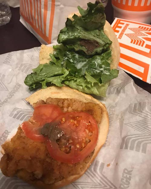 сэндвич с куском грязи