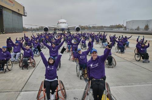 рекорд людей в колясках