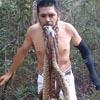активист посадил в рот змей