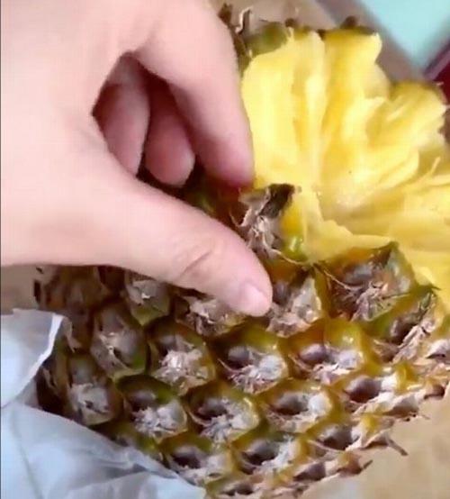 неправильное поедание ананасов