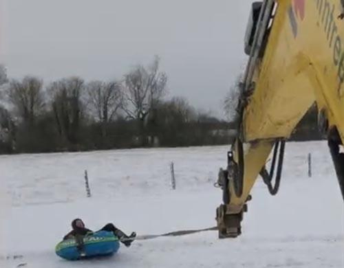 снежная карусель для рабочих