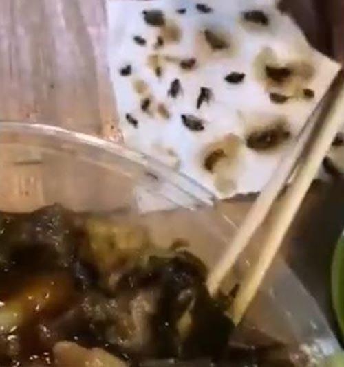 дохлые тараканы в еде