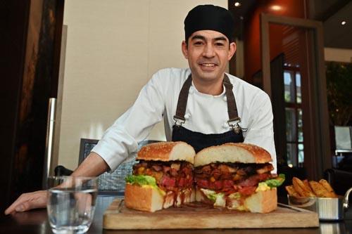 роскошный дорогой бургер