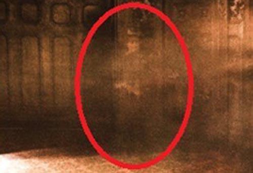 призрак поселился в аттракционе