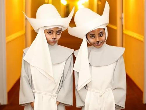 близнецы увлекаются косплеем