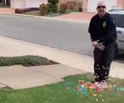конфетти вылетели из хлопушки