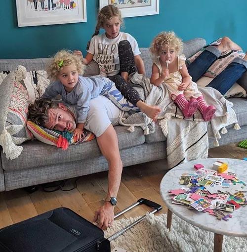 отец четырёх дочерей