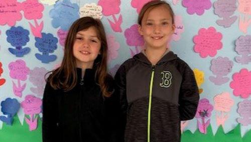 школьница спасла подругу