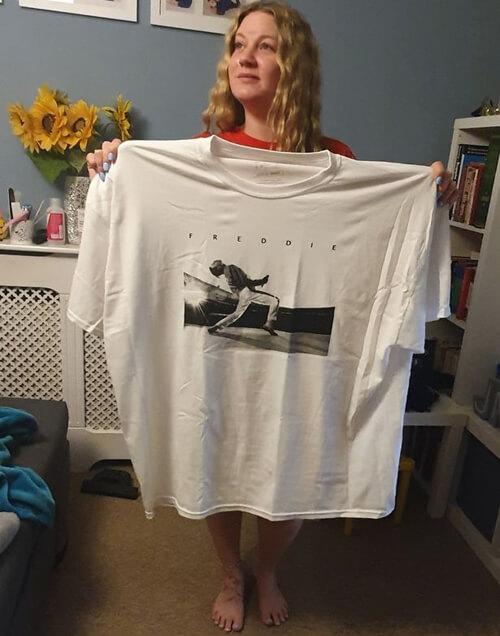 слишком большая футболка