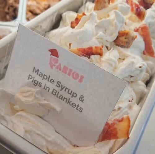 мороженое с беконом и сосисками
