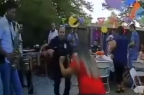 полицейские на шумной вечеринке