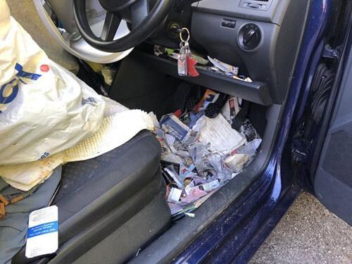 грандиозный беспорядок в машине