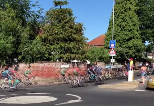 неправильный путь велосипедистов
