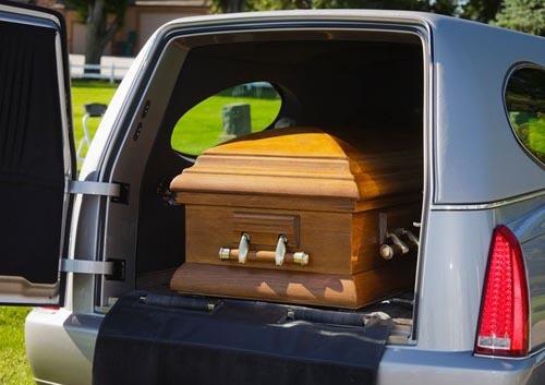 мёртвый пассажир в машине