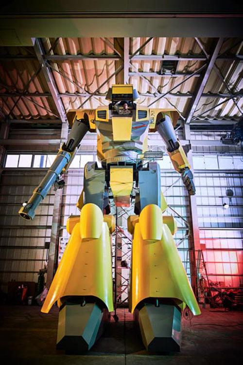 робот из фантастических фильмов