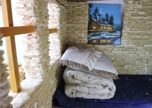 домик из просроченной лапши