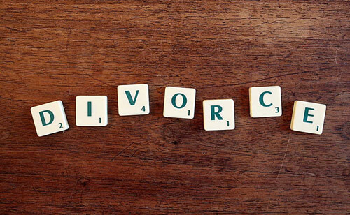 муж тайком развёлся с женой