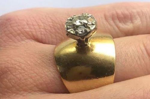 самое уродливое кольцо в подарок