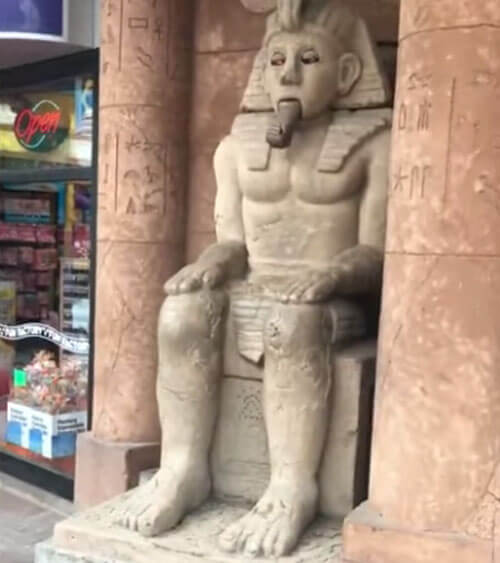 говорящая скульптура фараона