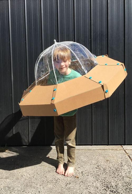 забавные костюмы из коробок