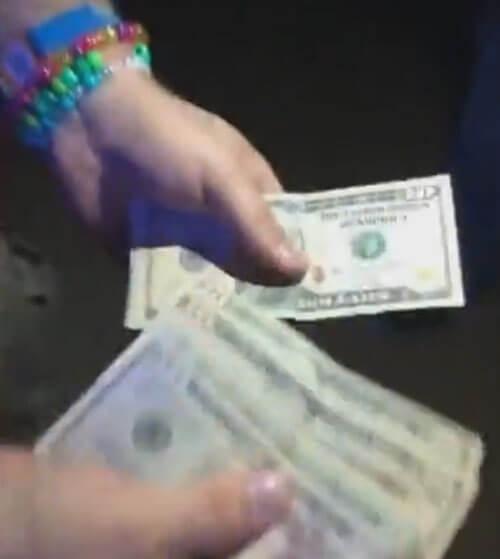 фокус с долларовыми купюрами