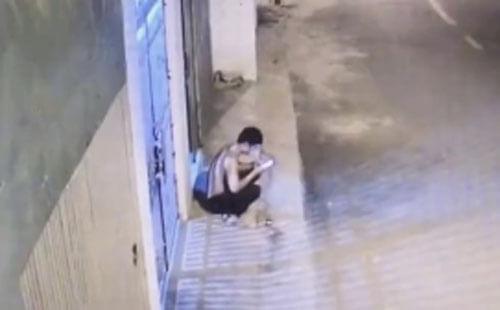 мотоциклист ловко украл телефон