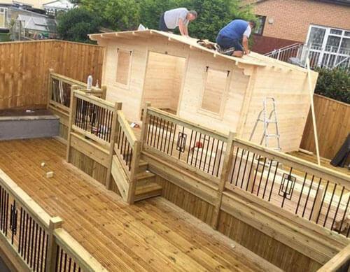 жена построила паб во дворе