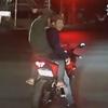 трюкачи упали с мотоцикла