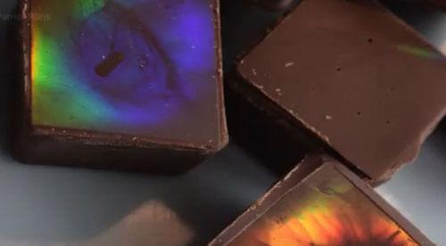 мерцающий разноцветный шоколад