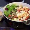 саранча в свежем салате