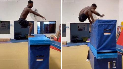 прыгучий молодой гимнаст