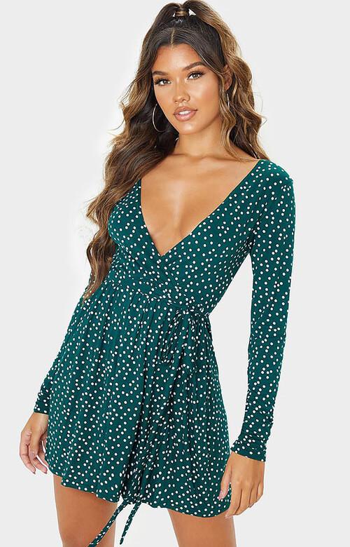нескромное платье в горошек