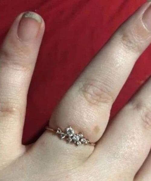 невеста с ужасными ногтями