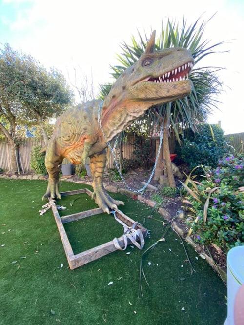 слишком большой динозавр