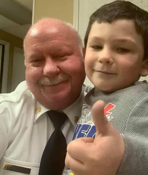 мальчик спас семью от пожара