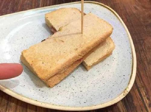 жалкие бутерброды в аэропорту